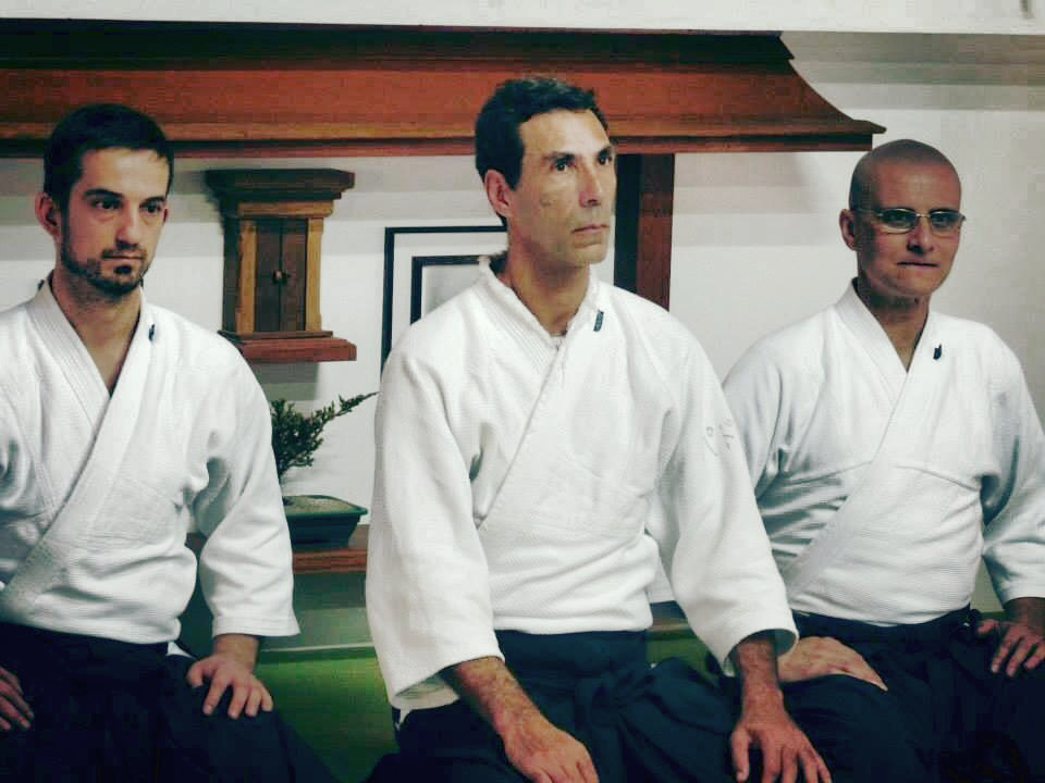 Pádua Sensei (ao centro), Ápio Sensei (à esquerda dele) e Gionei Sensei